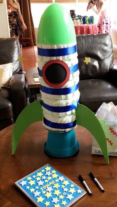 rocket diaper cake! Space Baby Shower, Baby Shower Fun, Baby Shower Favors, Baby Shower Themes, Baby Shower Gifts, Baby Gifts, Shower Ideas, Diaper Cake Boy, Nappy Cakes