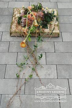 Grave Flowers, Funeral Flowers, Funeral Flower Arrangements, Floral Arrangements, Table Flowers, Diy Flowers, Grave Decorations, Sympathy Flowers, Woodland Wedding
