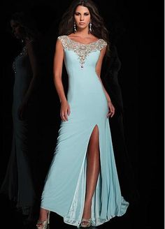 Image discovered by Amy Xwei. Find images and videos about blue dress, chiffon dress and sexy prom dress on We Heart It - the app to get lost in what you love. Stunning Prom Dresses, Sexy Wedding Dresses, Cheap Wedding Dress, Designer Wedding Dresses, Formal Dresses, Ball Dresses, Ball Gowns, Evening Dresses, Unconventional Wedding Dress