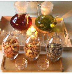 Breakfast Presentation, Food Presentation, Arabian Decor, Moroccan Table, Eid Party, Ramadan Gifts, Coffee Bar Home, Happy Kitchen, Ramadan Decorations