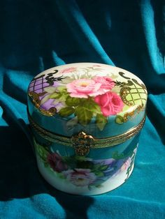 "Limoges ""thick"" Porcelain Round Lidded Jar,or Trinket Box, 4 3/4"" Tall 5"" Wide"