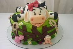 Animal Birthday Cakes, First Birthday Cakes, Beautiful Cakes, Amazing Cakes, Farm Animal Cakes, Cow Cakes, Pastel Cakes, Farm Cake, Dream Cake