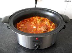Gehaktballetjes in zoetzure saus Meat Recipes, Slow Cooker Recipes, Dinner Recipes, Cooking Recipes, Best Cooker, Cooking Green Beans, Frozen Shrimp, Happy Kitchen, Multicooker