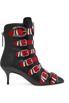 GUCCI Buckled printed leather ankle boots. #gucci #shoes #靴子