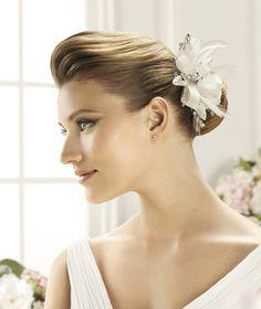 Pronovias präsentiert Ihnen den Kopfschmuck FL-2436 für die Braut. | Pronovias