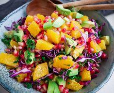 Salad Menu, Salad Dishes, Easy Salad Recipes, Easy Salads, Healthy Recipes, Crab Stuffed Avocado, Cottage Cheese Salad, Raw Broccoli, Rezepte