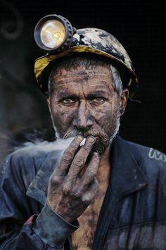 20110830 steve mccurry v0 600x904 Worldwide Portraits by Steeve McCurry