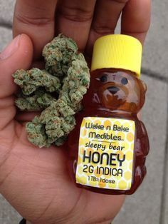 the honey would be great for medical patients who are nonsmokers Puff And Pass, Mary J, Buy Weed Online, Smoking Weed, Ganja, Medical Marijuana, Herbalism, Honey, Baking