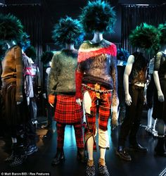 Fashion The art of anarchy: Inside the Met's new Costume Institute exhibit charting punk's journey from chaos to couture Punk: Chaos to Couture 80s Punk Fashion, Casual Fashion Trends, Evolution Of Fashion, Costume Institute, Lookbook, Vivienne Westwood, Alternative Fashion, Tartan, Plaid