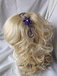 Serre tête avec fleur en satin violette : Accessoires coiffure par les-fils-daurore