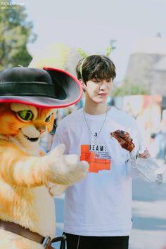 fan chengcheng ♡ nine percent Justin Huang, Yuehua Entertainment, Percents, Golden Child, Chinese Boy, Kpop Boy, Boyfriend Material, Pop Group, Boy Bands