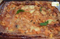 Pizza hojaldrada de calabaza  http://www.lospostresdeelena.com/2013/05/pizza-hojaldrada-de-calabaza.html
