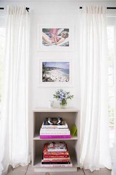 Perfect spot for a book shelf / domino