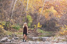 Senior Photography Poses for Girls - photo by Allison Corrin French