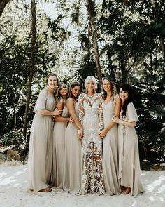 ─ love this group of girls. it's always a j o y when I am able to stay in touch with so many beautiful humans after wedding day. connecting…