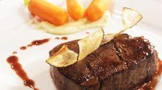 Noord- Amerikaanse ossenhaas met een jus van rode port en five spices, wintergroenten en aardappelcrème - Wie is de Chef? -