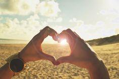 L'amour c'est quand le temps se transforme en mémoire et nous fait le présent d'un passé, plein d'espoir.   http://ccef.perso.sfr.fr/  Cabinet de conseil conjugal et familial