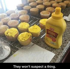 34 Funny April Fool's Prank Ideas - Funny, Subtle Pranks That Are So Sneaky, They're Brilliant Just a prank bro >:) 27 Funny Pictures for Today This aspiring baker: Funny, Subtle Pranks That Are So Sneaky, They're Brilliant 10 Pranks To Pull On. Funny April Fools Pranks, Funniest Pranks, Good Pranks, Funny Pranks, Funny Memes, Awesome Pranks, Best Pranks, Simple Pranks, Best Senior Pranks