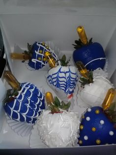 adult chocolate covered strawberries with liquor