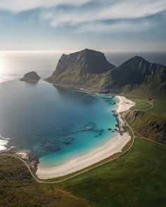 """Julius Kähkönen (@visualsofjulius) posted on Instagram: """"Another Summer VS Winter comparison. I personally prefer winter for this location. I've visited Lofoten so many times by now that I could…"""" • Aug 4, 2020 at 8:37am UTC"""