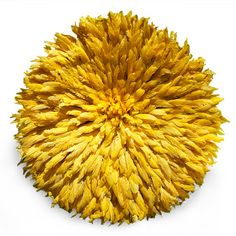 yellow feather headdress  This is a beautiful to add a bit if sunshine to any room! Project Décor