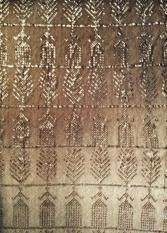 Egyptian Assuit: (a textile marrying cotton or linen mesh with small strips of metal) circa I have one that was my mother's, no idea how she came to have it. It looks like a stole. Motifs Textiles, Textile Fabrics, Textile Patterns, Textile Design, Textile Art, Color Patterns, Print Patterns, Bild Gold, Textile Texture