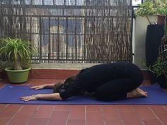 Escucha a tu cuerpo. Si estás cansada colócate en la postura del niño. Yoga, Pregnancy, Yoga Sayings