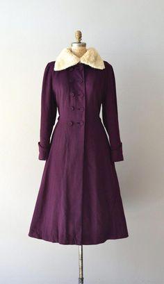 2ad6502a5e4e AD  9654812700  femininefashion Vintage Outfits