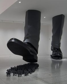 Amazing Sculptures by Korean Artist Do-Ho Suh http://avaxnews.net/charming/Amazing_Sculptures_By_Korean_Artist_Do_Ho_Suh.html #avaxnews.net  #art  #funny