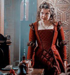 Georgie Henley, Medieval Tv Shows, Margaret Tudor, Female Dragon, Dragon Lady, The Other Boleyn Girl, The White Princess, Medieval Dress, Medieval Fantasy