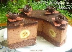 Cotlete de porc in sos aromat cu rozmarinCulorile din Farfurie No Cook Desserts, Sweets Recipes, Delicious Desserts, Cake Recipes, Romania Food, Cheesecake, Home Food, Yummy Cakes, Nutella