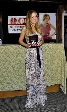 wearing heartloom maxi dress on my book tour #laurenconrad