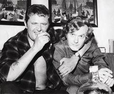 Marek Hłasko i Krzysztof Komeda w mieszkaniu Marka Nizińskiego, Beverly Hills, 1968, fot. Niziński / IWL