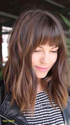 Inspirierende 2019 Haarfarbe Trend #2018 #balayage #20182019 #haarefärben #coldbrew #hair #frisuren #haarfarben2018 #haircolor #herbstwinter Long Bob Haircut With Bangs, Thick Hair Bangs, Blunt Bangs, Lob With Bangs, Long Bob Haircuts, Shortish Haircuts, Fringes For Long Hair, Bangs Medium Hair, Hairstyles For Medium Length Hair With Bangs