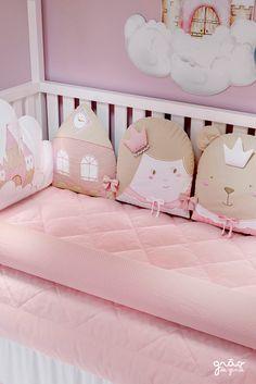 Crib Pillows, Pillow Room, Girl Decor, Baby Room Decor, Baby Nest Bed, Baby Girl Nursery Themes, Merian, Jack Sparrow, Coffee Lovers