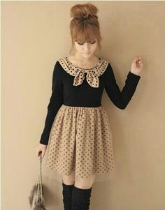 I so love Japanese sense of style especially girly outfits like this