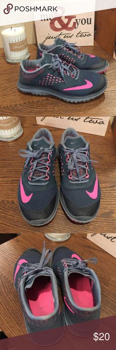 Women's Nike Sneakers Great used condition. No peeling, tears, or stains. Normal scuffs but none that are major. Charcoal and pink. Nike Shoes Sneakers