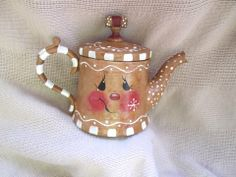Sweet tiny vintage nickel tea pot painted into an adorable gingerbread person. Gingerbread Crafts, Gingerbread Decorations, Christmas Gingerbread, Gingerbread Men, Christmas Decorations, Christmas Tea, Christmas Holidays, Christmas Ornaments, Painted Pots