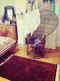 """wildbindi: """"Today I drove a couple of hours in peak hour traffic to pick up this beautiful peacock chair. The original owners have had it for generations, all the way back to the 1970s. Welcome to my..."""