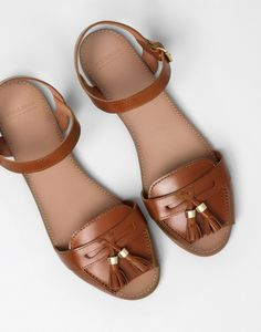 Pull & Bear Leather Flat Sandals With Tassel Detail