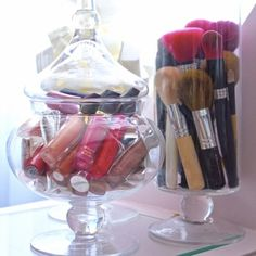 Makeup storage diy dollar stores make up apothecary jars 52 Ideas Makeup Storage Hacks, Vanity Organization, Organization Ideas, Rangement Makeup, Ideas Prácticas, Room Ideas, Decor Ideas, Make Up Storage, Jar Storage