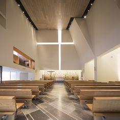 Parish Church Pueblo Serena, Moneo Brock - Photo by Jorge Taboada #interiordesign #architecture #churches #religiousbuilding #Arqmoderna #moneobrock