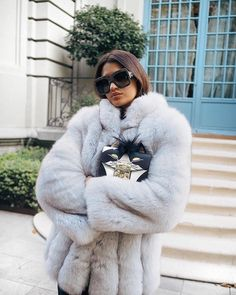 Faux fur coats are just as fashionable as real fur coats and can deliver similar effects when worn with a variety of outfits. Some of these coats are quite luxurious and desirable. Some women are i… Chinchilla, Winter Coats Women, Coats For Women, Fox Fur Coat, Fur Coats, Fur Fashion, Womens Fashion, Fur Jacket, Colorful Fashion