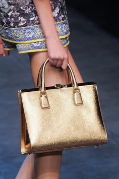 7701b7e5bf6 Dolce & Gabbana at Milan Fashion Week Spring 2014. Louis Vuitton HandtassenMichael  ...