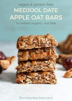 Medjool Date Apple Oat Bars V Gf E A Fit Mitten Kitchen - Jump To Recipe C Bprint Recipe These Medjool Date Apple Oat Bars Are The Perfect Healthy Lunchbox Snack Just Six Ingredients No Baking Vegan Gluten Free And Naturally Sweetened With Medjool Date Healthy Lunchbox Snacks, Vegan Snacks, Healthy Treats, Healthy Desserts, Healthy Oat Bars, Eat Healthy, Healthy Cooking, Vegan Food, Date Recipes Healthy