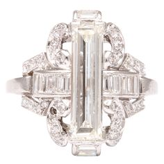 Platinum Diamond Art Deco ring, Circa: 1925
