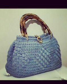 Borsa a mano crochet  Fb page Handmade crochet  Diy uncinetto fettuccia