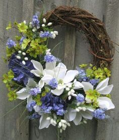 28 The Best Spring Door Wreath Ideas - hoomdesign