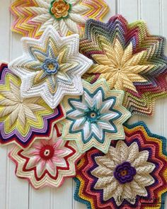 Maggie's Crochet · Scrap Potholders and Mats Pattern Set ❥Teresa Restegui http://www.pinterest.com/teretegui/❥