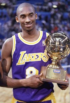 an NBA Slam Dunk Title representing a team from Los Angeles. Kobe Bryant 8, Kobe Bryant Family, Lakers Kobe Bryant, Michael Jordan, Kobe Bryant Pictures, Kobe Mamba, Nba Pictures, Kobe Bryant Black Mamba, Baskets